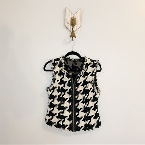 Cabi Black & White Houndstooth Vest Size Small